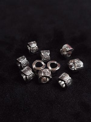 Breloques, métaux et accessoires